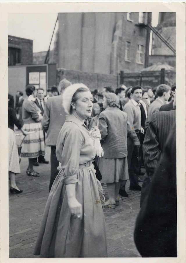 Lady in 1950s dress